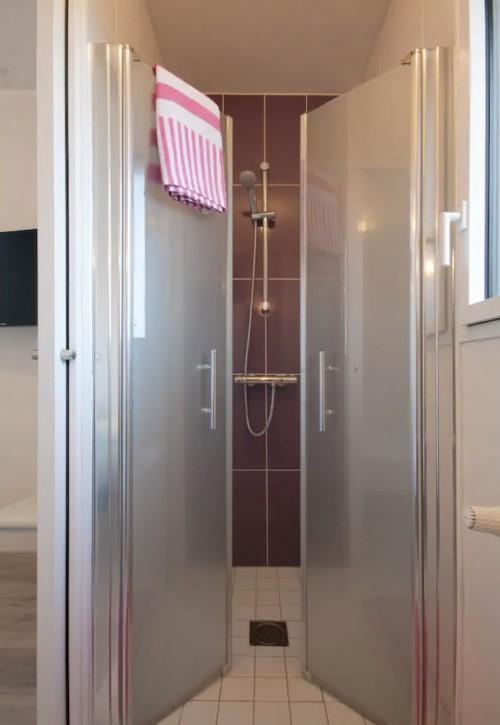 Maison location crozon morgat salle d'eau