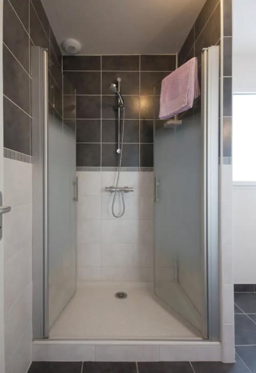 Maison location crozon morgat douche