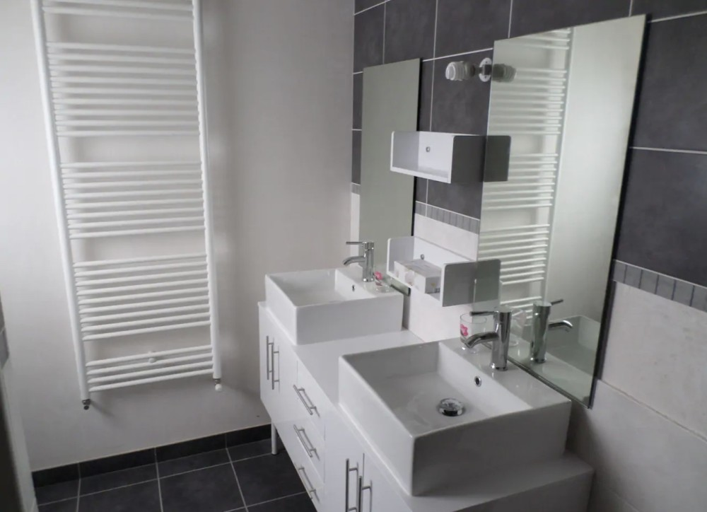 Maison location crozon morgat salle de bain vasque